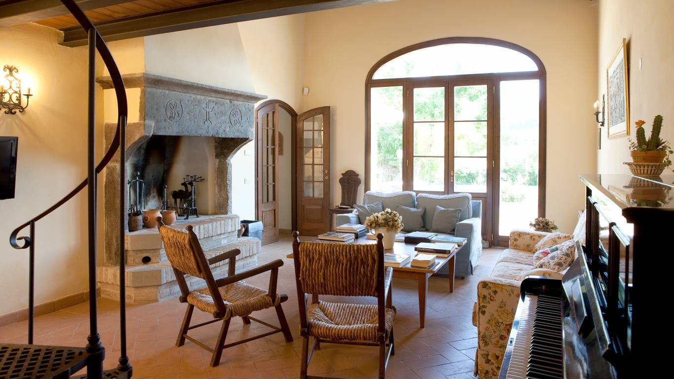 parco-ducale-country-house-urbania-living-room-1259