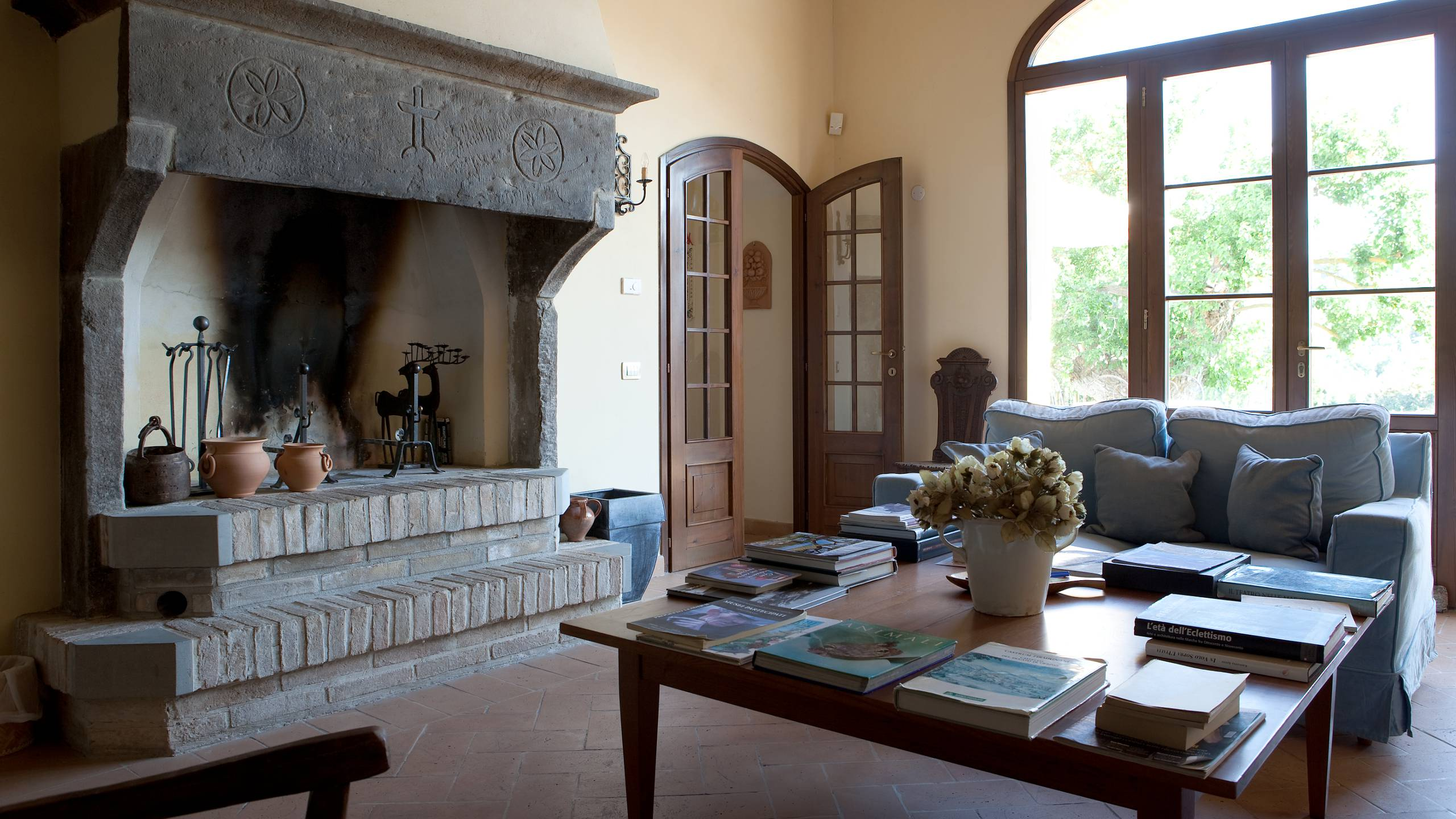 parco-ducale-country-house-urbania-living-room-1246