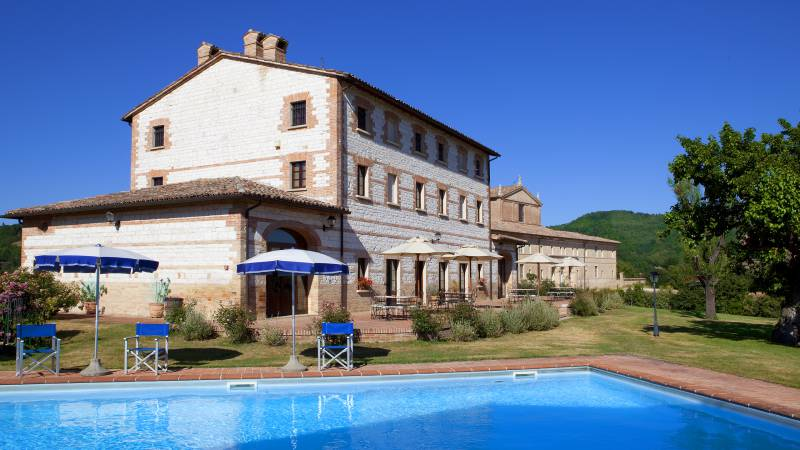 parco-ducale-country-house-urbania-exterior-2