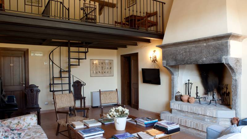 parco-ducale-country-house-urbania-living-room-12